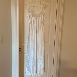 NWT Lingerie White Night gown - size M